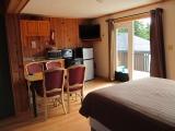 ucluelet-cabin-16-kitchen