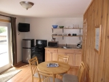 ucluelet-kitchen-livingroom-1br-cottage