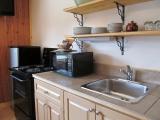 ucluelet-cabin-1br-kitchen