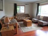 ucluelet-cabin20-livingroom