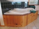 ucluelet-jacuzzi-tub