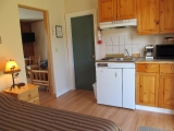 ucluelet-cabin-kitchen