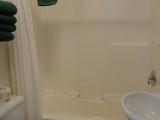 ucluelet-cottage-full-bathroom